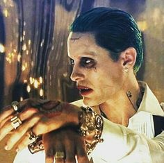 The king How did you first find out about Joker? Der Joker, Joker Heath, Joker Art, Batman Begins, Joker Y Harley Quinn, Hearly Quinn, Jared Leto Joker, Beatiful People, Margot Robbie Harley