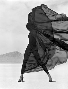joeinct:Naomi Campbell Photo by Herb Ritts 1990