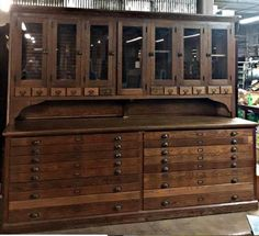 Antique Architect Drafting Oak Cabinet Apothecary Map Drawers Furniture Showroom, Furniture Projects, Furniture Plans, Home Furniture, Furniture Design, Street Furniture, Outdoor Furniture, Modern Furniture, Furniture Assembly