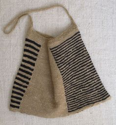 Would be good in crochet Hand Knitting, Knitting Patterns, Knit Basket, Fabric Bags, Knitting Accessories, Knitted Bags, Handmade Bags, Knitting Projects, Purses And Bags
