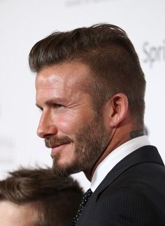 If you are going to best saloon for your new haircut, beard style like a sports man David Beckham hairstyle then here you can find his latest look pictures. Cool Hairstyles For Men, Hairstyles For Round Faces, Haircuts For Men, Hair Images, Hair Pictures, Hairstyle Images, Hairstyle Ideas, Hair Ideas, Undercut Hairstyles
