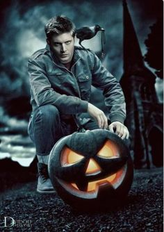 My favorite character from my favorite tv show Dean Winchester from Supernatural played a great actor Jensen Ackles Supernatural Fans, Castiel, Supernatural Drawings, Crowley, Sam E Dean Winchester, Sam Dean, Winchester Brothers, Jared Padalecki, Jensen Ackles