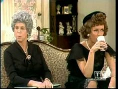 Mama's Family Funeral - The Carol Burnett Show.such a funny episode Tv Videos, Funny Videos, Carol Friends, Queens Of Comedy, Carol Burnett, Family Tv, Belly Laughs, Old Tv Shows, Classic Tv