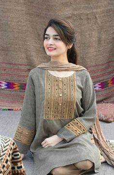 Stylish Dress Designs, Stylish Dresses For Girls, Casual Dresses, Girls Dresses Sewing, Pakistani Fashion Party Wear, Pakistani Outfits, Indian Fashion, Punjabi Fashion, Pakistani Girl