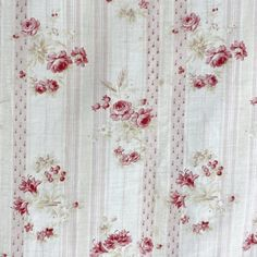 Floral Upholstery Fabric, Floral Fabric, Fabric Decor, Shabby Chic Material, Shabby Chic Fabric, Vintage Floral, French Vintage, Spy Stuff, Small Living Room Design