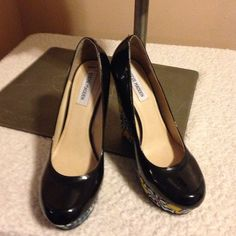 """Steve Madden wedges Never worn!! In awesome condition!! About 6"""" heel Steve Madden Shoes Wedges"""