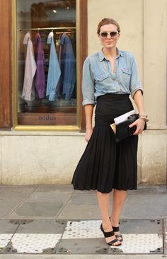 #denim shirt #classic skirt #pleated skirt  #Elle Hankinson #street style #streetstyle #Paris #women