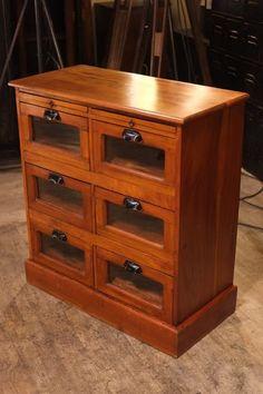 Meuble de metier de commerce ancien meubles de m tier for Entreposage de meuble