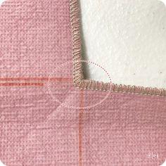 봉제를 하다보면.. 오버록을 해야 하는 경우가 있지용~ 보통은 직선이지만 둥근 곡선부분도 있고 사각 테두... Sewing Letters, Unicorn Dress, Patch Quilt, Sewing Techniques, Sewing Hacks, Pattern Fashion, Dress Making, Diy And Crafts, Arrow Necklace