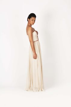Nude Gown  100% Silk    contact@dress-and-hightems.com