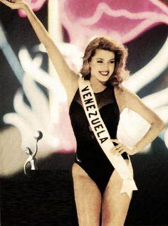 Traje de Baño, en el concurso de Miss Universe 1996 en la Ciudad de