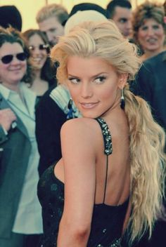 Jessica Simpson by HOLLACHE