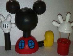 Escultura casa de Mickey y accesorios, textura lisa