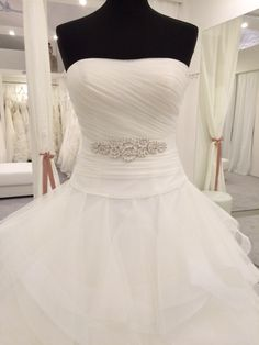 Budapest, Bridal Dresses, Wedding Gowns, One Shoulder Wedding Dress, Ideas, Fashion, Wedding Dresses, Boyfriends, Bride Dresses