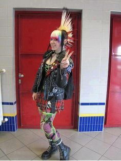 Pure #Punk Chick. Love the authenticity