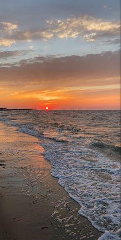 Beach Aesthetic, Nature Aesthetic, City Aesthetic, Travel Aesthetic, Pretty Sky, Beautiful Sunset, Beautiful Places, Aesthetic Backgrounds, Aesthetic Wallpapers