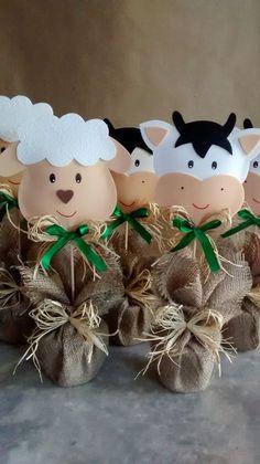 Party Animals, Farm Animal Party, Farm Animal Birthday, Barnyard Party, Farm Birthday, Farm Party, Cow Birthday Parties, Eid Crafts, Barn Parties