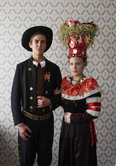 Sundom, Ostrobothnia province of Western Finland Ethnic Outfits, Ethnic Dress, Folk Clothing, Historical Clothing, Costumes Around The World, Scandinavian Folk Art, Bridal Crown, Folk Costume, People Of The World