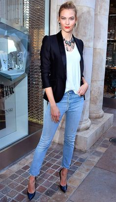 Street style look com calça jeans. Style Désinvolte Chic, Look Casual Chic, Casual Looks, Look Blazer, Casual Blazer, Night Outfits, Chic Outfits, Look Office, Work Looks