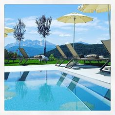 Sunday mornings like this  #pool #sunnshine #holiday #relax #spa #wellness #water #hotelamhang #hotel #amhang #beautifulhotels #beautifuldestinations #thehillhotel #dolomites #dolomiten #ritten #renon #visitsouthtyrol #lifeinsouthtyrol #visitbolzano #bozen #bolzano #mountain #bergsee #latemar Hotel Pool, South Tyrol, Das Hotel, Beautiful Hotels, Sunday Morning, Mornings, Traveling, Spa, Mountain