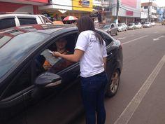 Blitz conscientiza motoristas a não jogarem lixo nas ruas de Macapá +http://brml.co/1LKd9HH