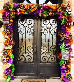 (notitle) - Halloween Garlands and deco - Halloween Ideas Spooky Halloween, Halloween Pumkin Ideas, Halloween Veranda, Halloween Door Decorations, Halloween Porch, Outdoor Halloween, Holidays Halloween, Halloween Crafts, Halloween Wreaths