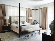 Be inspired by this stunning Sydney home designed by the talented, award-winning Australian designer, Greg Natale !                      ...