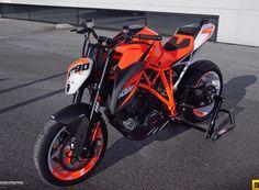KTM Superduke 1290 R