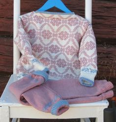 Ullsett  str  3 år! Sweaters, Fashion, Moda, Fashion Styles, Sweater, Fashion Illustrations, Sweatshirts, Pullover Sweaters, Pullover