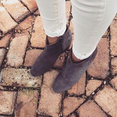 Our IT Ginger inside wedge boots are almost sold out!🏃🏼♀️We are so happy you loved them as much as we do! Classic Outfits, Simple Outfits, Wedge Boots, Tgirls, Summer Looks, Best Sellers, Wedges, Photo And Video, Heels
