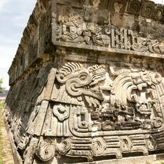 Xochicalco Ruins in Mexico Aztec Ruins, Mayan Ruins, Ancient Ruins, Ancient Art, Mayan History, Ancient History, Colombian Art, Ancient Architecture, Aztec Architecture