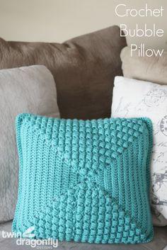 Crochet Bubble Pillow by Twin Dragonfly Designs #boyeyarncrafts #crochetpillow #crochetpattern