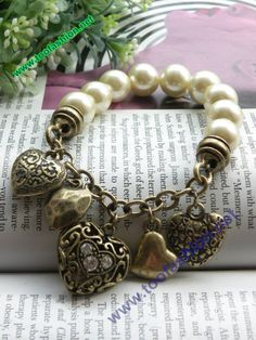 Retro copper hollow carved 5 hearts shaped pearl por toofashion2010