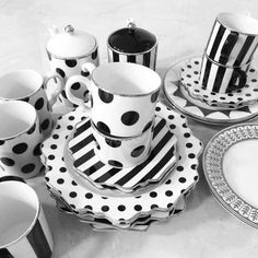 Different kinds of natural tea Black And White Dishes, Black And White Love, Mackenzie Childs Inspired, White Room Decor, Table Setting Inspiration, Dining Ware, White Clay, Tea Set, Tea Cups