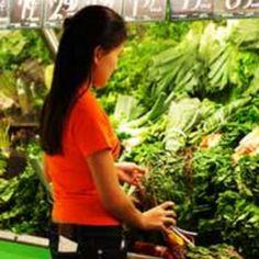 The Twenty Healthiest Foods for Under $1  http://www.divinecaroline.com/self/wellness/twenty-healthiest-foods-under-1