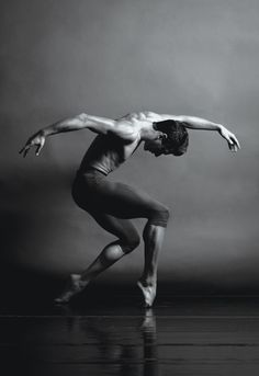 Ricardo Graziano / Sarasota Ballet / photo: Barbara Banks
