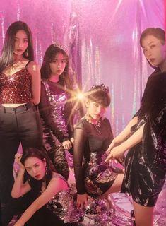 red velvet rbb era really bad boy Kpop Girl Groups, Korean Girl Groups, Kpop Girls, Red Velvet Joy, Red Velvet Seulgi, Sooyoung, Irene, Divas, Red Velvet Photoshoot