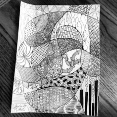 Zentangle now THIS reminds me of my doodling... i would draw a line and colour it in with diff colours. but designs inside.. GREAT idea!
