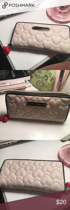 Betsy Johnson wallet Cream, black, gold Betsy Johnson wallet in perfect condition Betsey Johnson Bags Wallets