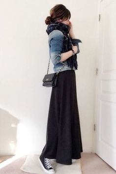 Lovable Long Skirt Outfits Ideas A long skirt looks elegant at any occasion it is worn to. It is an essential piece of clothing for […] Rock Outfits, Fall Outfits, Casual Outfits, Teen Outfits, Hijab Casual, Women's Casual, Casual Boots, Casual Skirts, Modest Outfits