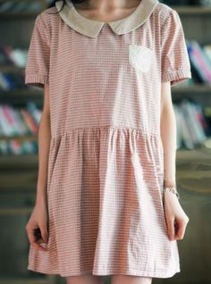 smock dress with contrasting collar and pocket