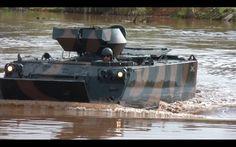 M113 APC - Flutuação - Exército Brasileiro - (FullHD) - panzer Apc, Motorbikes