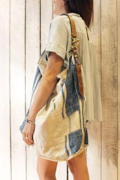 "Handmade Italian Vintage Leather Tote & Vintage fabric from 1932 ""Mulin blu"" di LaSellerieLimited su Etsy"