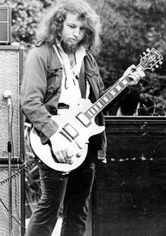 Martin Barre - second guitarist of Jethro Tull. Joined the group when Mick Abrahams left.