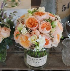 This year's wedding flower trends: http://www.weddingandweddingflowers.co.uk/article.php?id=122