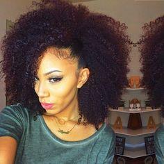 L'afro domptée façon side hair