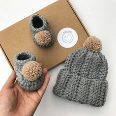 Thoughtful Etsy Baby Shower Gift Ideas Not On Registry Gifts for Kids Baby Gift Hampers, Baby Gift Box, New Baby Gifts, Baby Pom Pom Hat, Crochet Baby Booties, Hat Crochet, Crochet Tree, Baby Presents, Diy Crafts For Girls