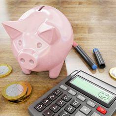 happy calculator and piggy bank 3d rendering