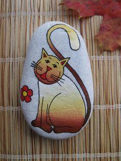 malovaný kámen - kočka velká ručně malovaný kámen akrylátovými barvami, zafixováno lakem ve spreji. velikost 8-9cm.