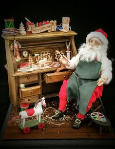 One of a kind miniature art dolls by IGMA Artisan Julie Campbell Christmas Elf Doll, Miniature Christmas, Christmas Makes, Merry Little Christmas, Father Christmas, Christmas Holidays, Diy Dollhouse, Dollhouse Miniatures, Julie Campbell